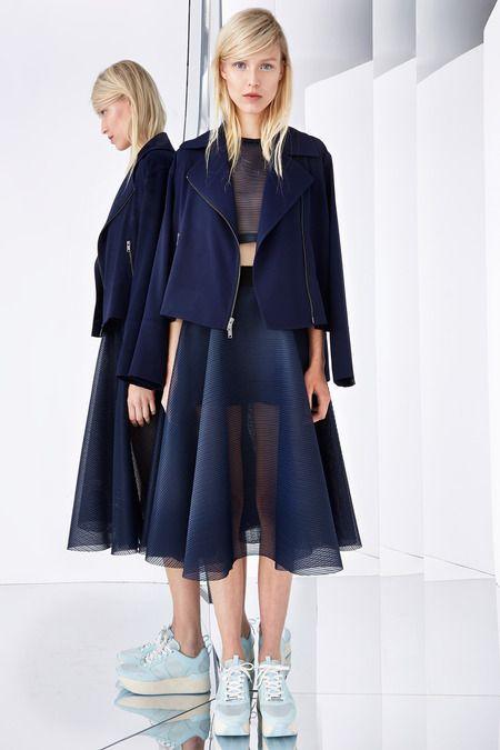 style-com_dark-blue-sheer-outfit_madebynoemi_inspiration