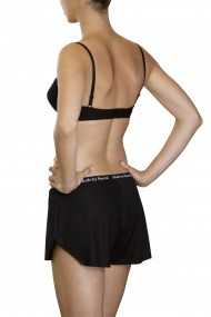 Cotton underwired bra and boxer shorts